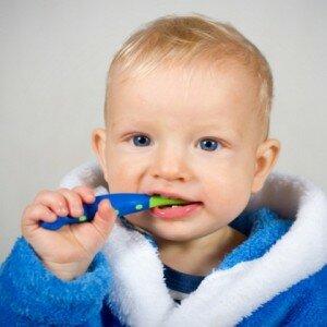 Молочные зубы уход